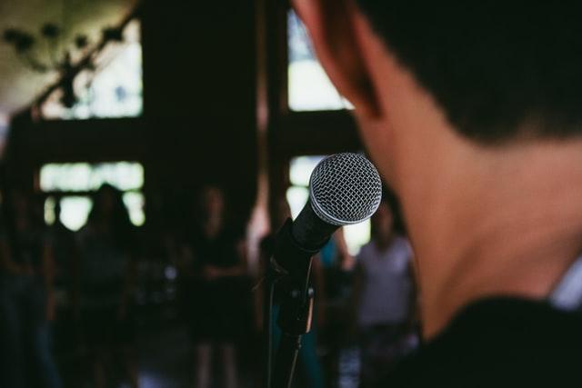 Tips mengatasi rasa grogi saat presentasi